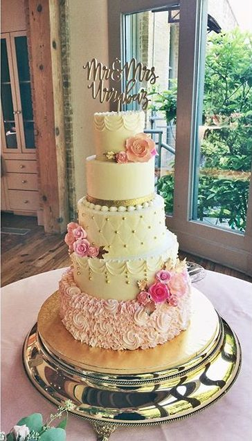 traditional wedding cake blush and gold