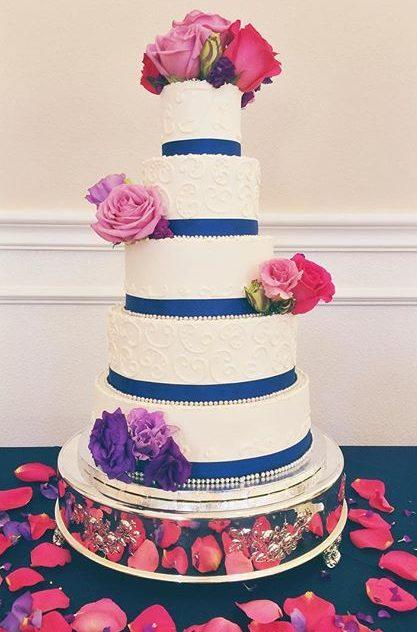 traditional wedding cake white piping