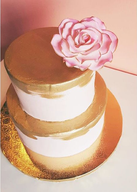 gold and blush cake