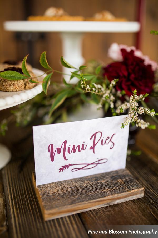 mini pies wedding