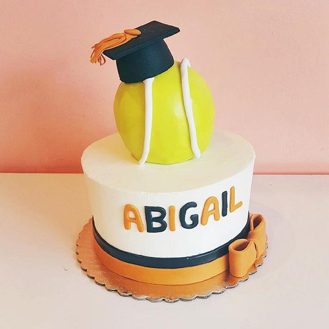 graduation cake tennis