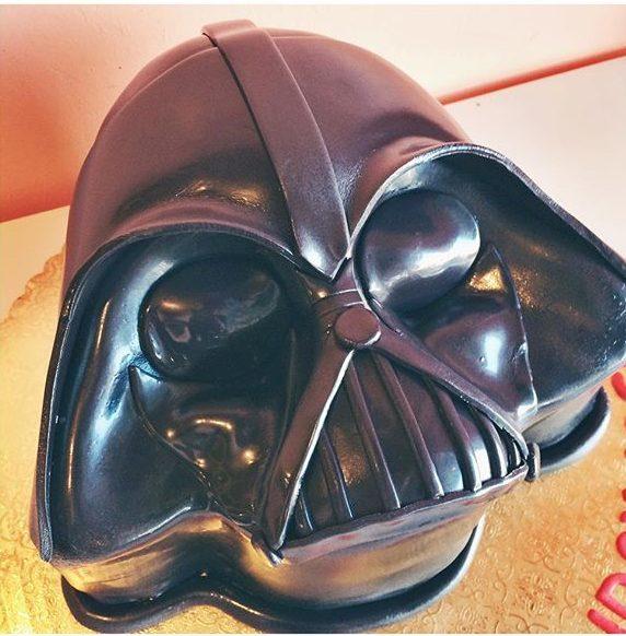 pop culture cake darth vader
