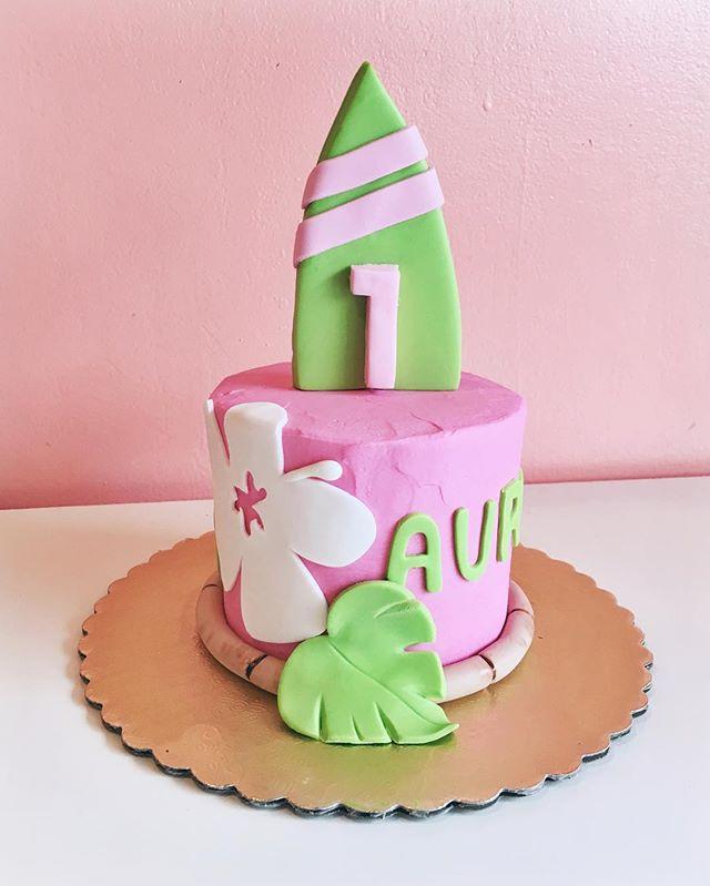 luau smash cake